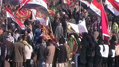 تجمع بزرگ مردم عراق در برابر پادگان اشرف