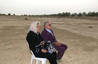 پدر و مادر احمد و امین تلاوتی از اسرای پادگان فرقه ای اشرف