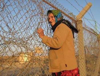 پشت حصار زندان اشرف