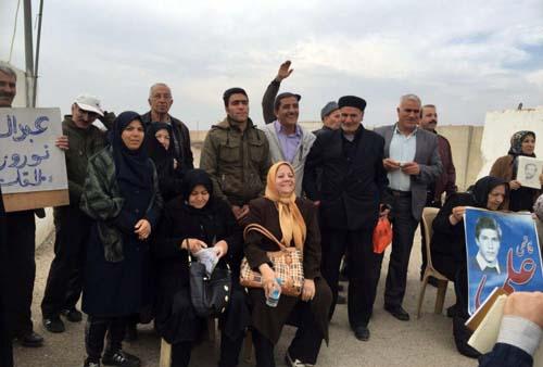 حضور خانواده ها در مقابل کمپ لیبرتی - گزارش هفتم