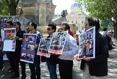 MKO Disassociated members protest action in Paris.