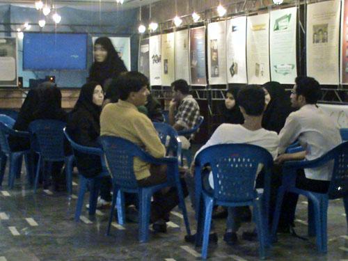 اعضاء جداشده از مجاهدین به سئوالات دانشجویان پاسخ گفتند