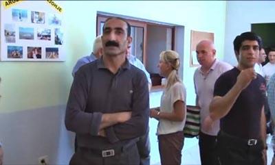 منشقون :منظمة خلق تمارس ضغوطا على أعضائها في البانيا