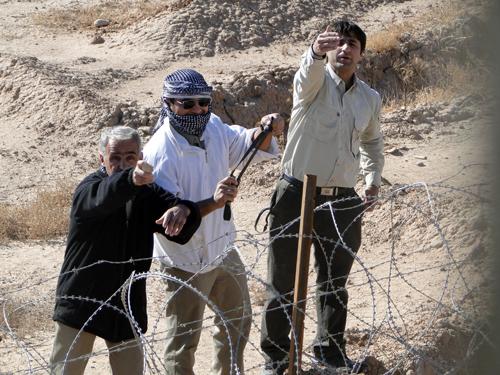اليوم السادس من الجهد الخامس للعوائل للقاء بأعزائهم في مخيم الحرية (ليبرتي) ببغداد