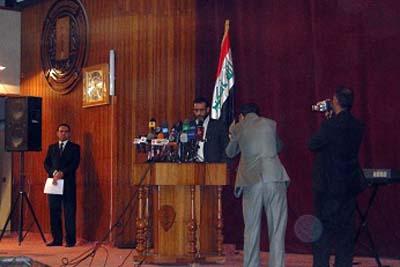 آقای عدنان الشحمانی، ریاست کمیته پارلمانی نظارت بر اخراج مجاهدین خلق