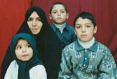 حسین جان من نیز ازدواج کرده ام و تو، دایی عزیز سه فرزندم هستی آنها نیز مشتاقانه در انتظارت هستند تا روی ماهت را ببوسند.