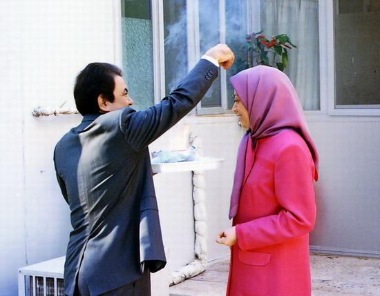 ازدواج مریم و مسعود رجوی: تکمیل رهبری یا ...؟