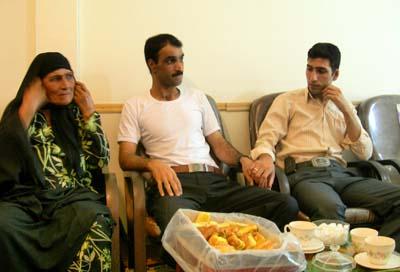 انجمن نجات دفتر کرمانشاه ضمن خوش آمد گویی وعرض تبریک به آقای منوچهر ساعی به مناسبت بازگشت ایشان به آغوش گرم خانواده، برای وی آرزوی موفقیت در تمامی مراحل زندگی جدید را دارد.
