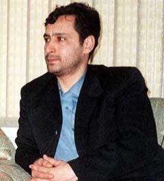 آقای ناصر سید بابایی عضو سابق ارتش آزادیبخش ملی و یکی از اعضای منتقد و معترض مجاهدین خلق که پس از طی کردن فراز و فرودهای بسیار در درون مناسبات فرقه ای و مخوف دارودسته ی رجوی، سرانجام از آن گروه جدا شده