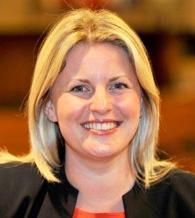 نامه سرگشاده احسان روشن ضمیر به خانم اما مک کلارکین عضو پارلمان اروپا از انگلستان