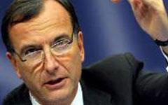 وزیر امور خارجه ایتالیا اعلام کرد که اتحادیه اروپا در صورت دستیابی به مدارکی جدید درباره اقدامات تروریستی گروه مجاهدین دوباره نام این گروه را به لیست سازمانهای تروریستی اضافه میکند.