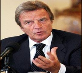 "Bernard Kouchner:""this movement[PMOI/MKO], mainly based in Iraq, poses a number of problems."""