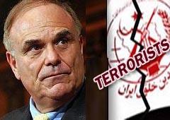 دفاع عن زمرة ارهابية مجاهدی خلق مقابل دفعات مالية