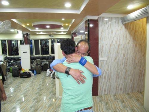 آشور ورشی پس از سالها دوری با برادرش ملاقات کرد
