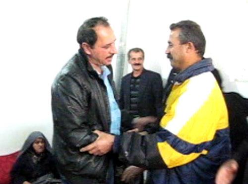 بازگشت علی اصغر باباپور از فرقه رجوی به وطن و کانون گرم خانواده اش
