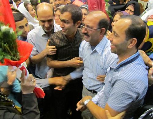 بازگشت عباس محمد پور از آلبانی به وطن و آغوش خانواده