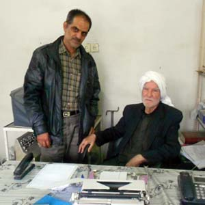 دیدار اعضای انجمن نجات با پدر خلیل انصاریان از اسیران دربند فرقه رجوی