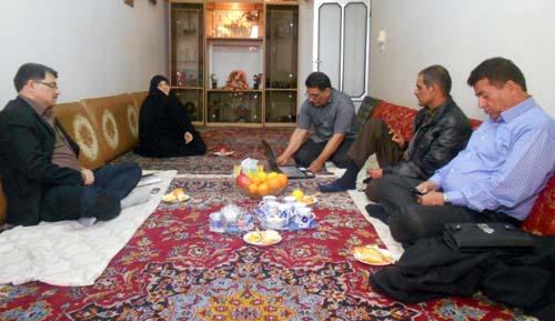Nejat members meet Gholamali Sajedifar family