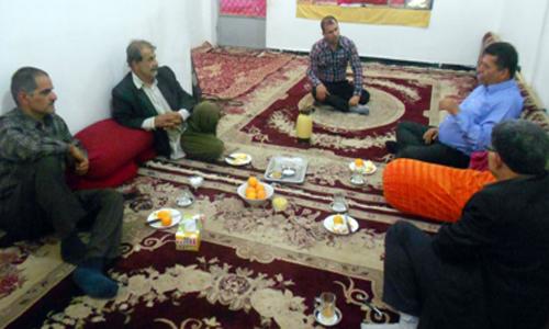 دیدار اعضای انجمن نجات خوزستان با خانواده ابدال اسدی از اسیران فرقه رجوی