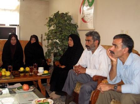 نشست بررسی دجالیت و دروغ پردازی سازمان مجاهدین در دفتر انجمن نجات استان مازندران_مهر 87